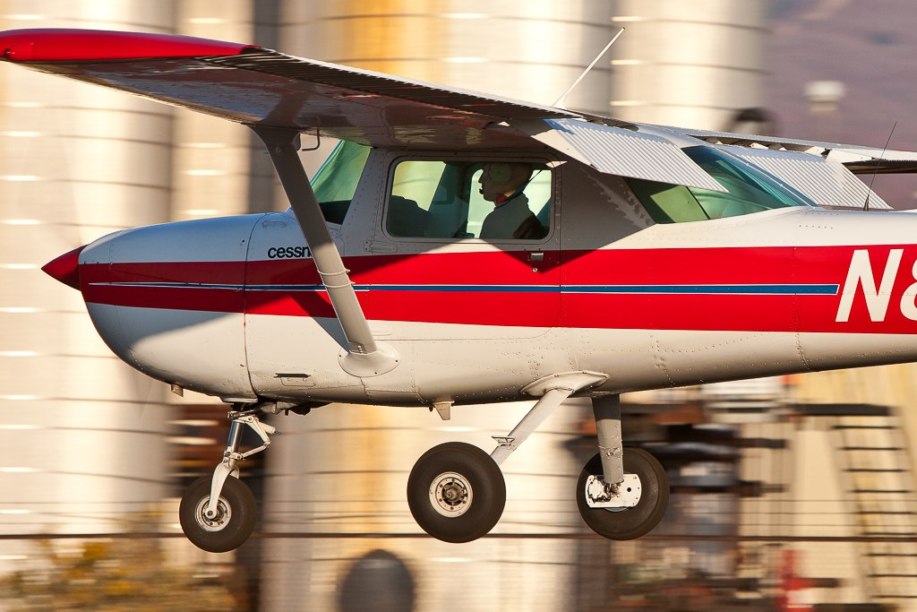 Cessna 150 in flight