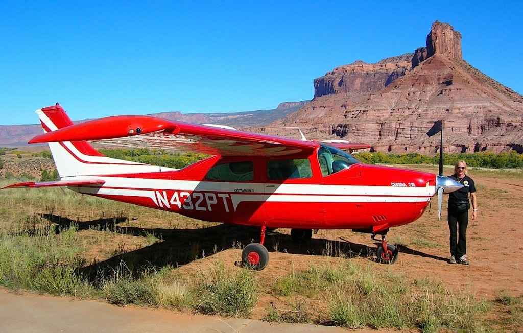 Gateway Airstrip with Cessna Centurion - How to Detail an Airplane