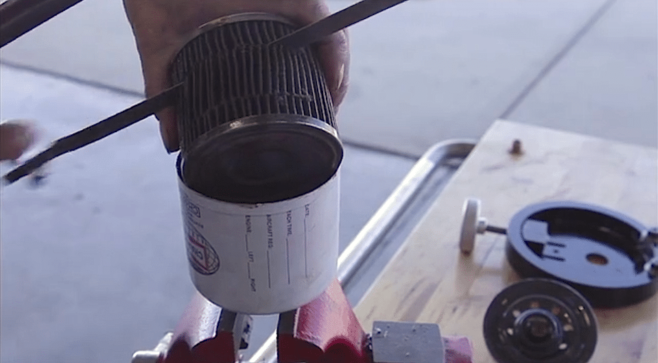 Oil filter in an aircraft oil change
