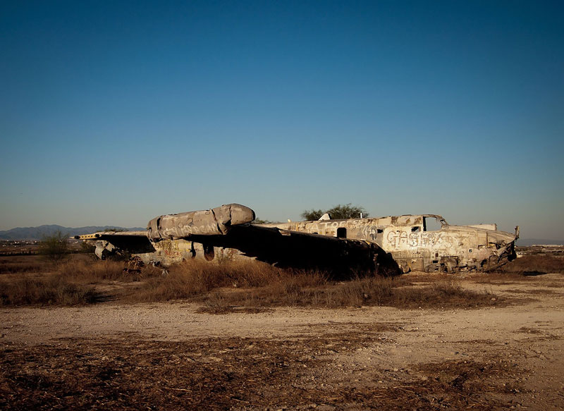 Nicosia International airport, rotting aircraft - Ghost Airports