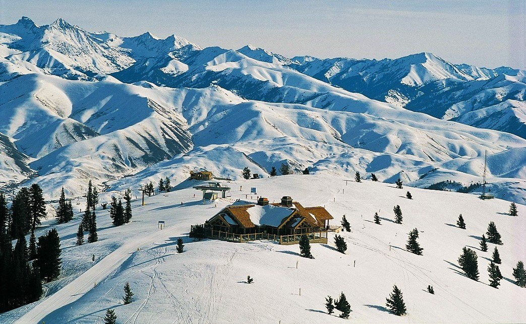 Sun Valley Day Lodge - Fly to the Perfect Recreation Destination