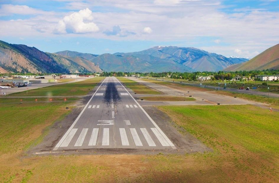 FeldmanAirport in Hailey south of Sun Valley - Fly to the Perfect Recreation Destination