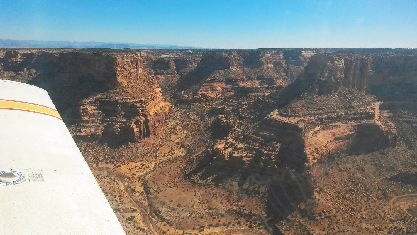Flying a Piper Cherokee over Southern Utah - Learning to Fly a Taildragger