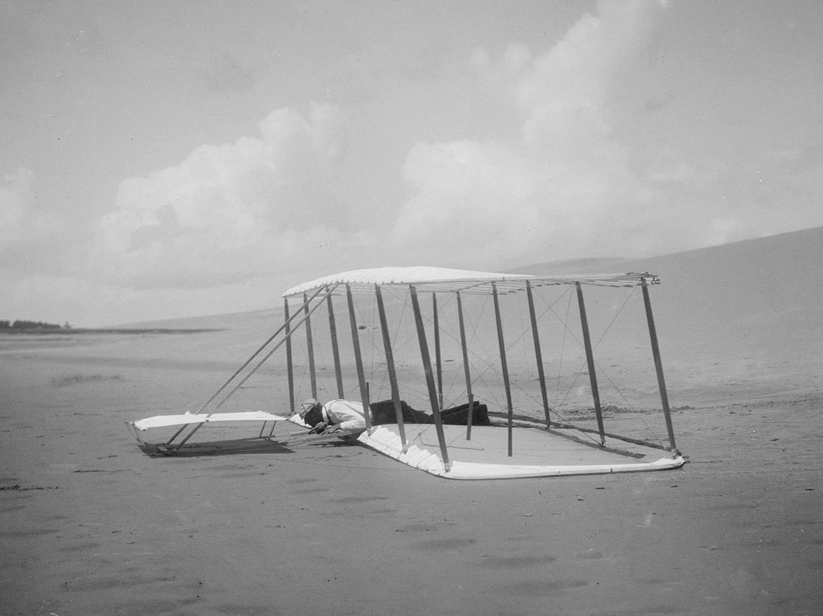 Wilbur lands a glider in 1901 - First Flight: the Wright Brothers