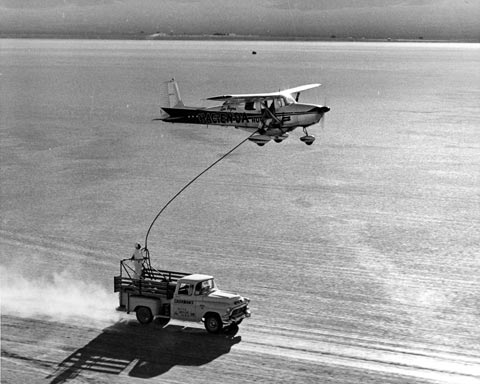 The Hacienda flies over the refueling truck - The Flight Endurance World Record