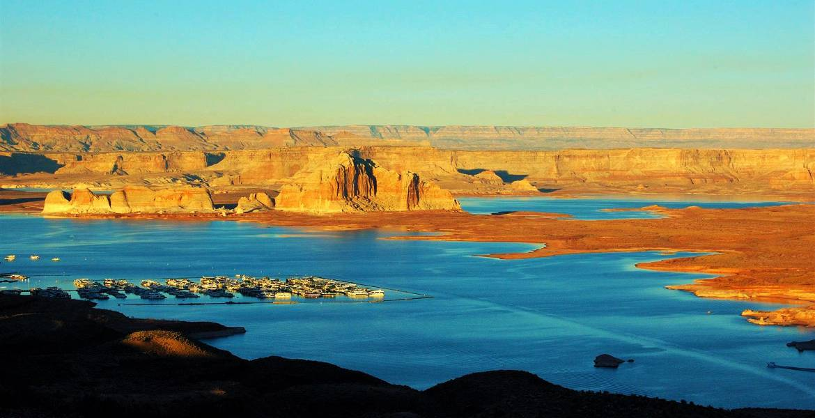 Wahweap marina at Lake Powell - Page Airport - Gateway to Redrock Adventures