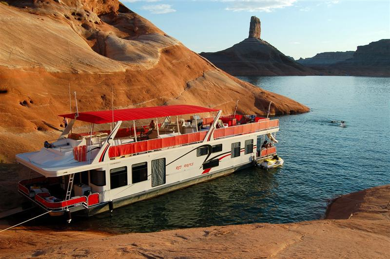 Sunrise Peak houseboat - Page Airport: Gateway to Redrock Adventures