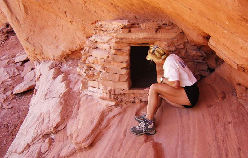 Anasazi Granary ruins in Moki Canyon - Page Arizona: Gateway to Redrock Adventures