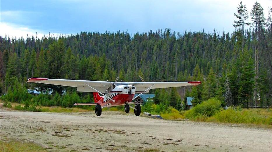 Landing at Dixie Town airstrip in Idaho - King Katmai: Unbeatable Safety and Performance