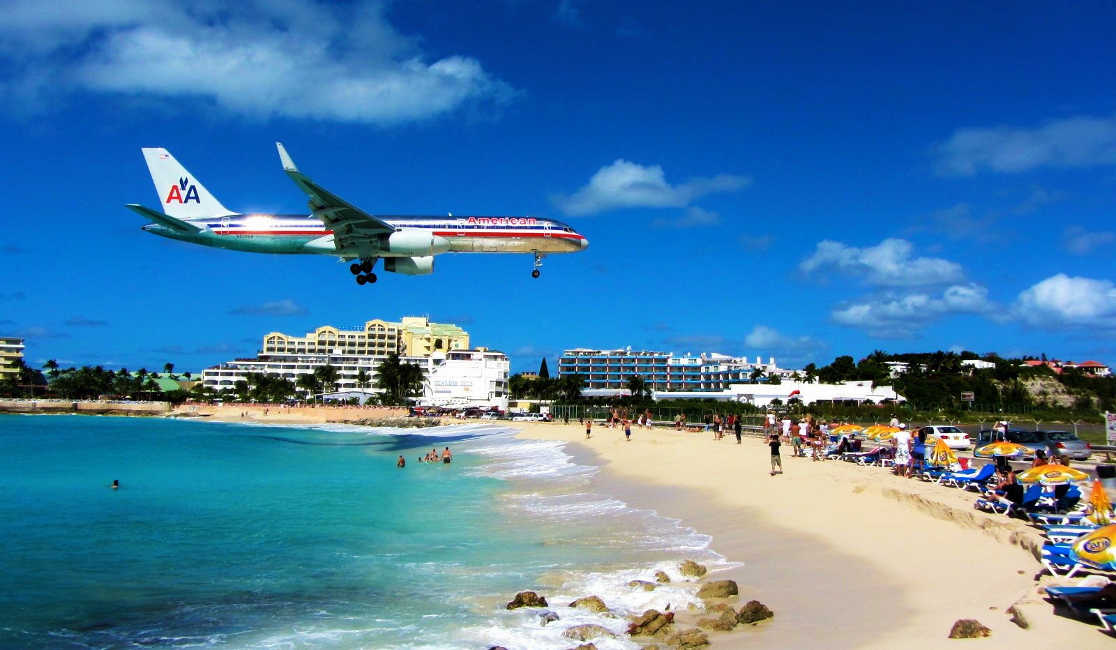 Maho Beach - Saba and the Juancho E Yrausquin Airport