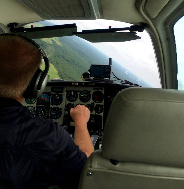 Cockpit view of a private pilot flying a small aircraft - My Discovery Flight
