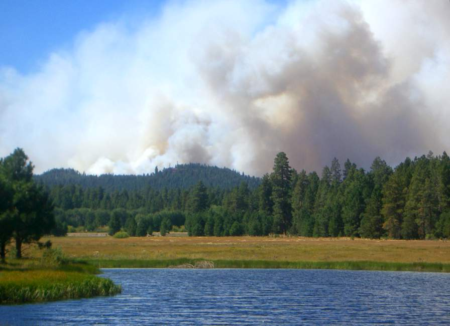 A photo of the smoke from the Black Butte fires in Oregon in 2007