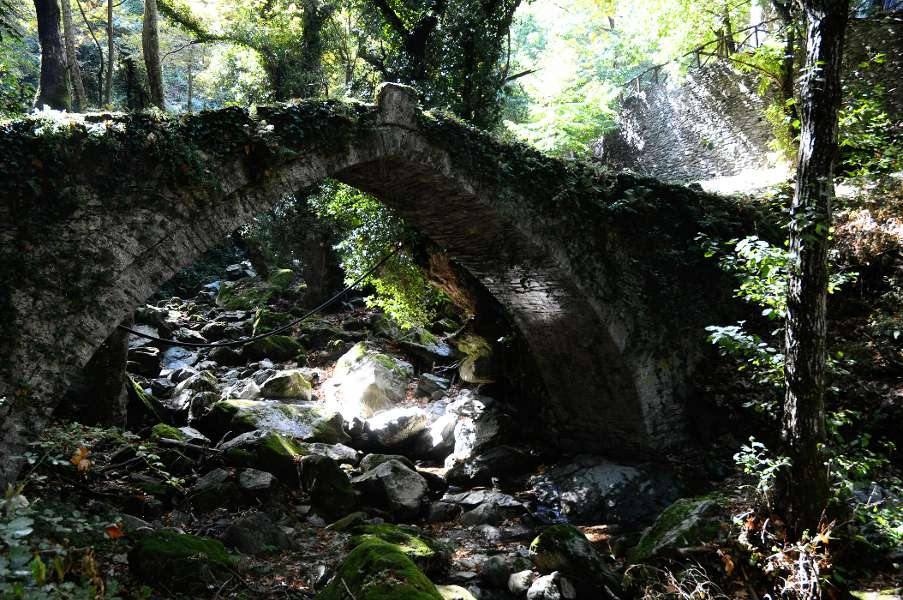 Stone bridge on Mount Pelion.
