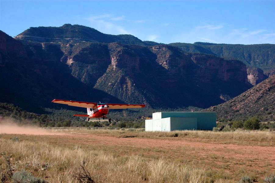 An airplane landing at an airstrip in Colorado - How to Avoid a Gear Up Landing