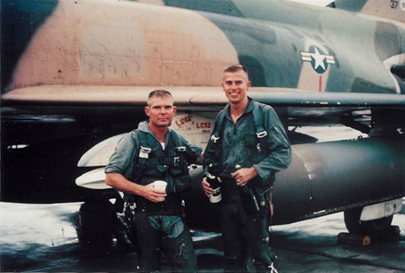 Bob Pardo and Steve Wayne, in Vietnam with F4 used in Pardo's Push.