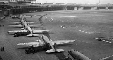 The Berlin Airlift: Flying Over the Berlin Blockade