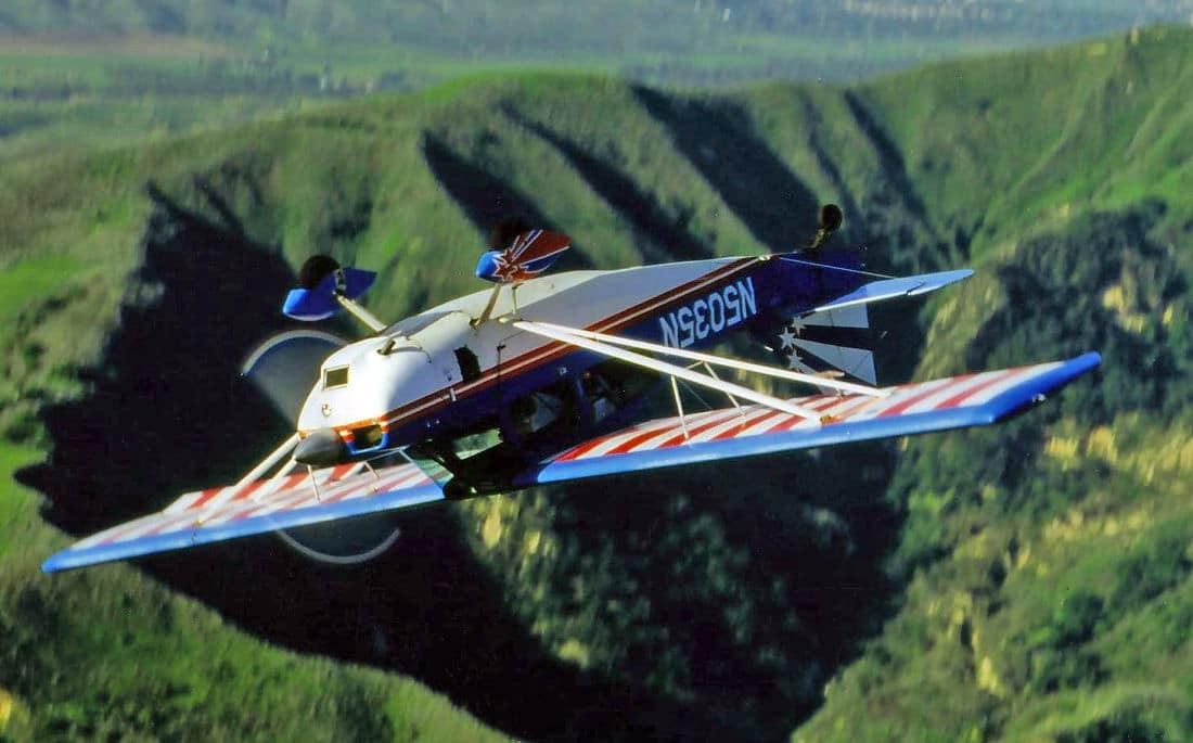 An American Champion Decathlon flying inverted