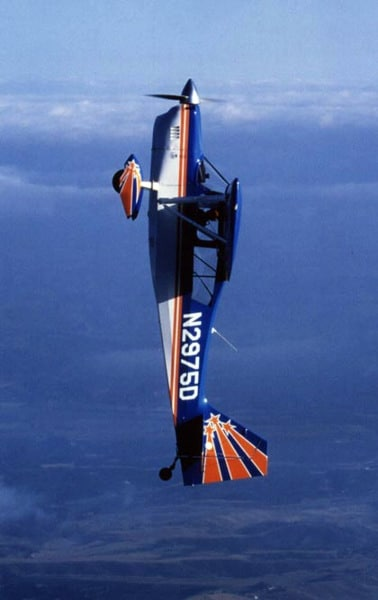 An American Champion Decathlon in aerobatic flight