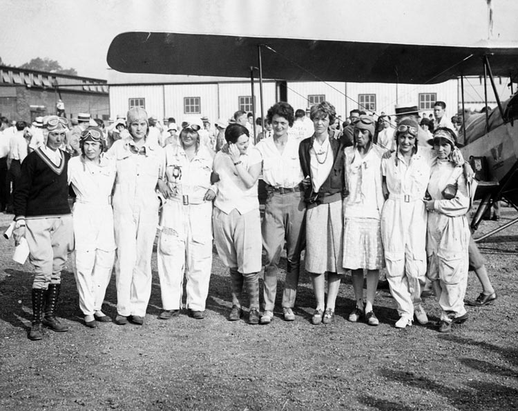 Amelia Earhart, Louise Thaden and other female pilot participants in the 1929 Air Derby