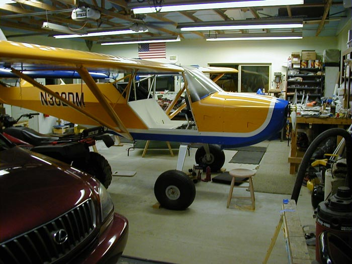 Kitfox build in a garage
