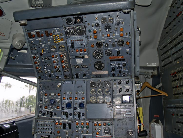 Boeing 727 flight engineer's panel