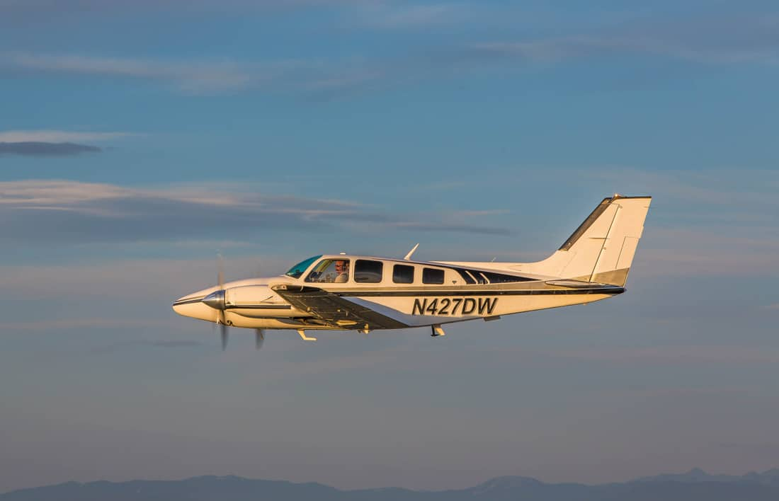 Turbocharged Beechcraft Baron flying