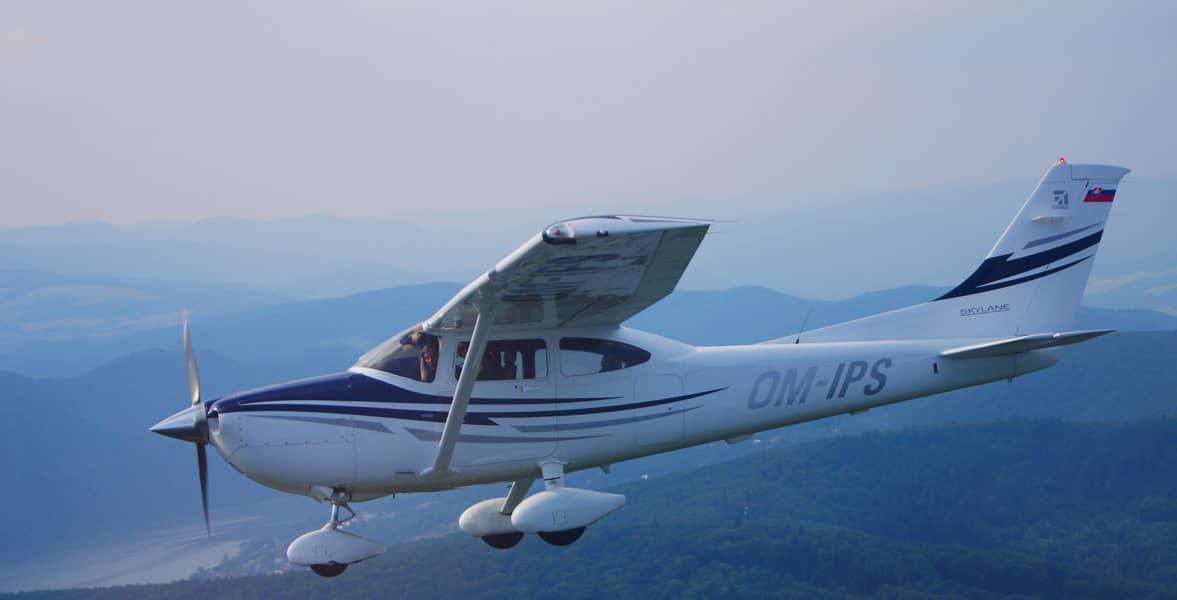 A Cessna 182 Skylane in flight - Soloy Aviation, SMA Collaborate on Skylane Engine Conversion STC