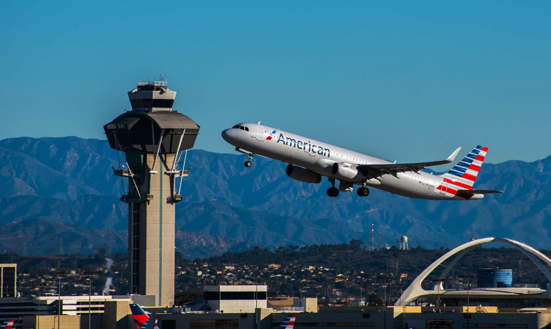 Airliner taking off at LAX - FAA NextGen Data Comm Texting System Going In More Airports