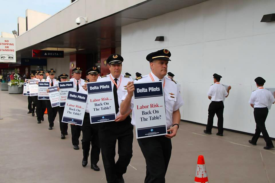 Delta Air Lines Pilots on Strike - Delta Pilots Strike Center Opened