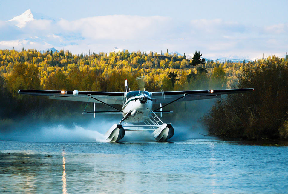 Supervan 900 Landing on the water - New Supervan 900 Prop To Be Ready By End of Year