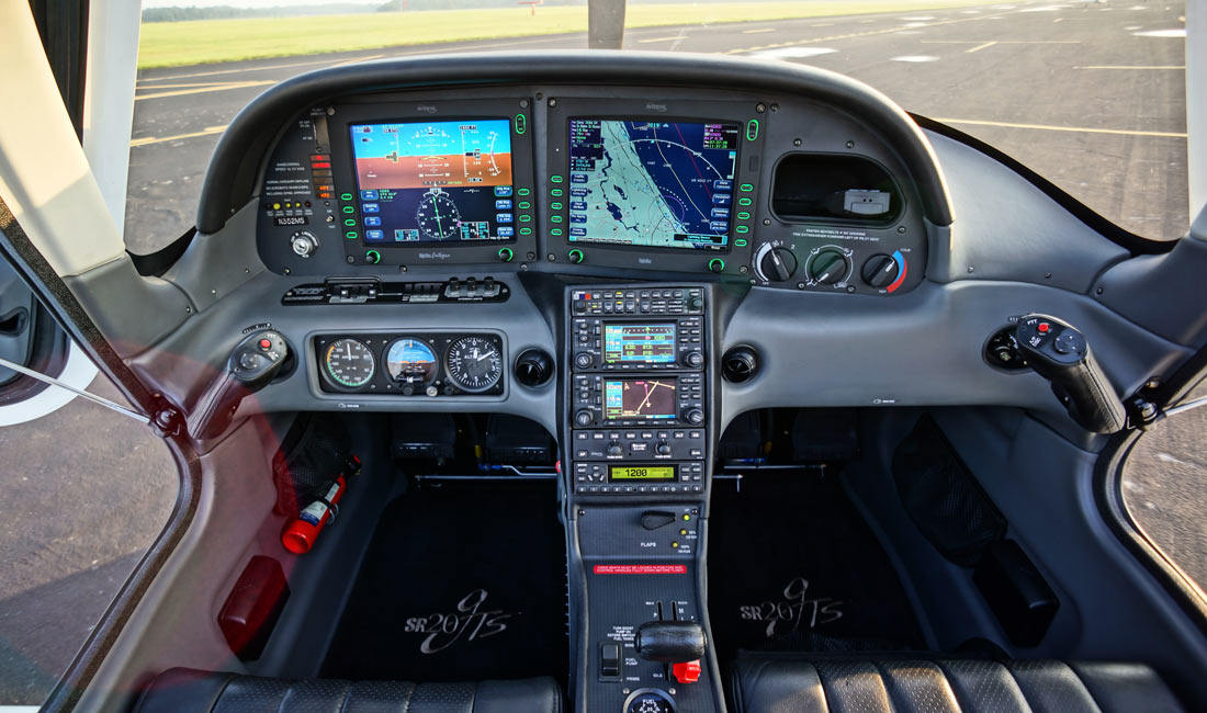 Avidyne Entegra Flight Deck in a Cirrus SR20 - Avidyne ADS-B Rebate and Software Upgrades Announced