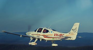 Youngest Pilot to Fly Around the World Solo Uses Cirrus SR22