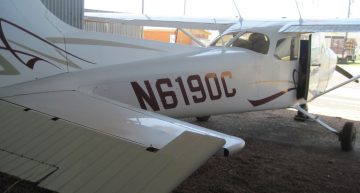 Textron Financial Auctioning Off Pair of 2008 Cessna 172S Skyhawks