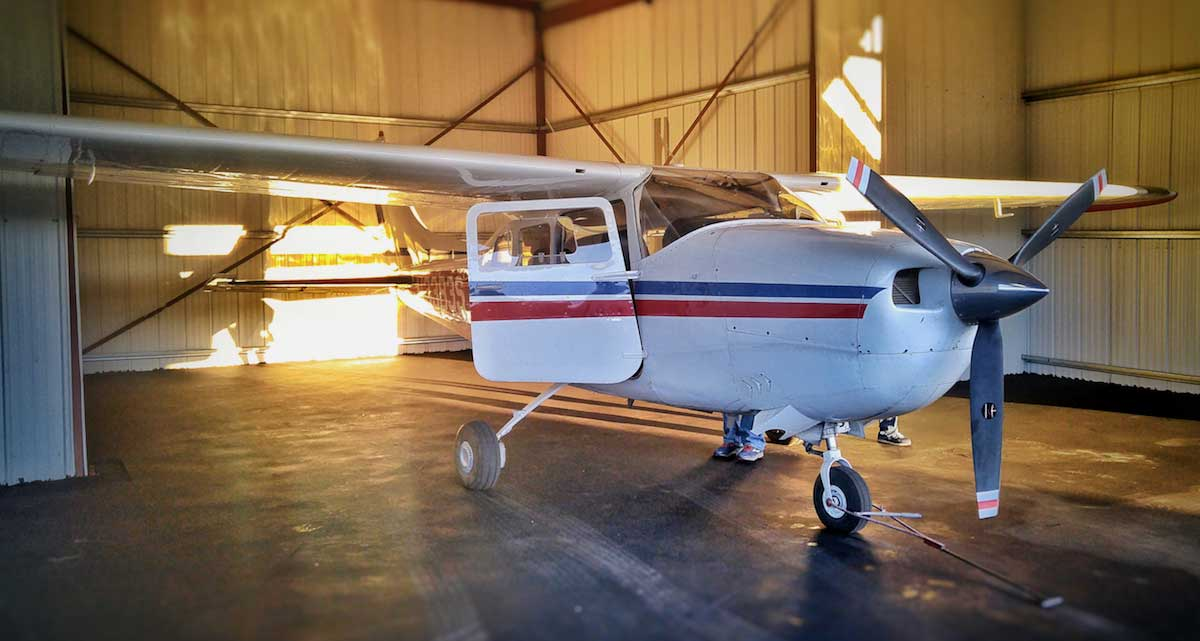 Cessna 210 flight