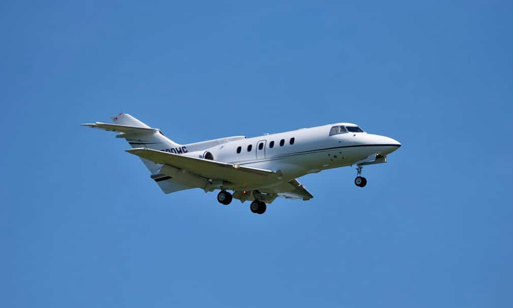 Hawker 700A aircraft landing - NTSB Believes Mismanaged Approach to Blame For Execuflight Crash