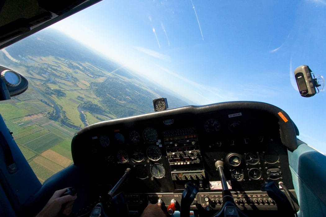 Cessna 172 cockpit in flight - Loss of Control Remains Top General Aviation Concern for NTSB
