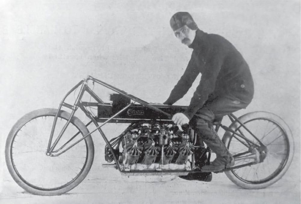 Glenn Curtiss on his motorcycle in 1907