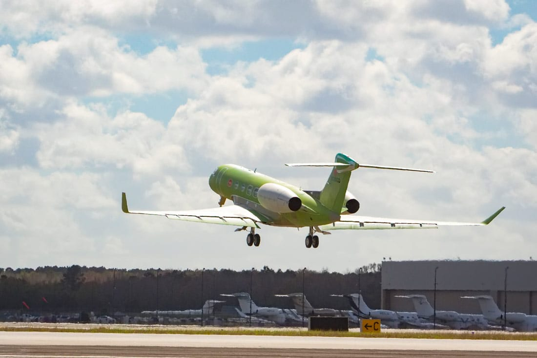 Second Gulfstream G600 test aircraft during first test flight