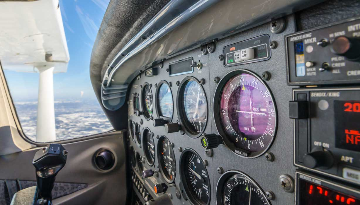 An instrument panel in a Cessna 172 - IFR Training Made Easy
