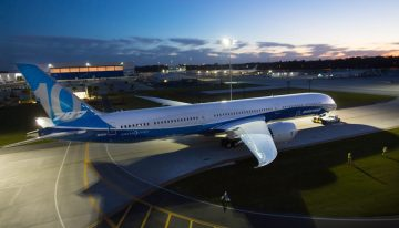 Boeing 787-10 Dreamliner Prepares for First Flight
