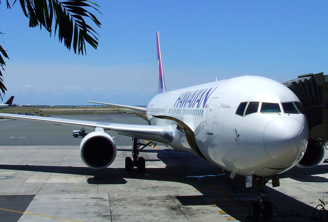Hawaiian Airlines aircraft on runway - Hawaiian Airlines Pilots Have Negotiated a New Agreement
