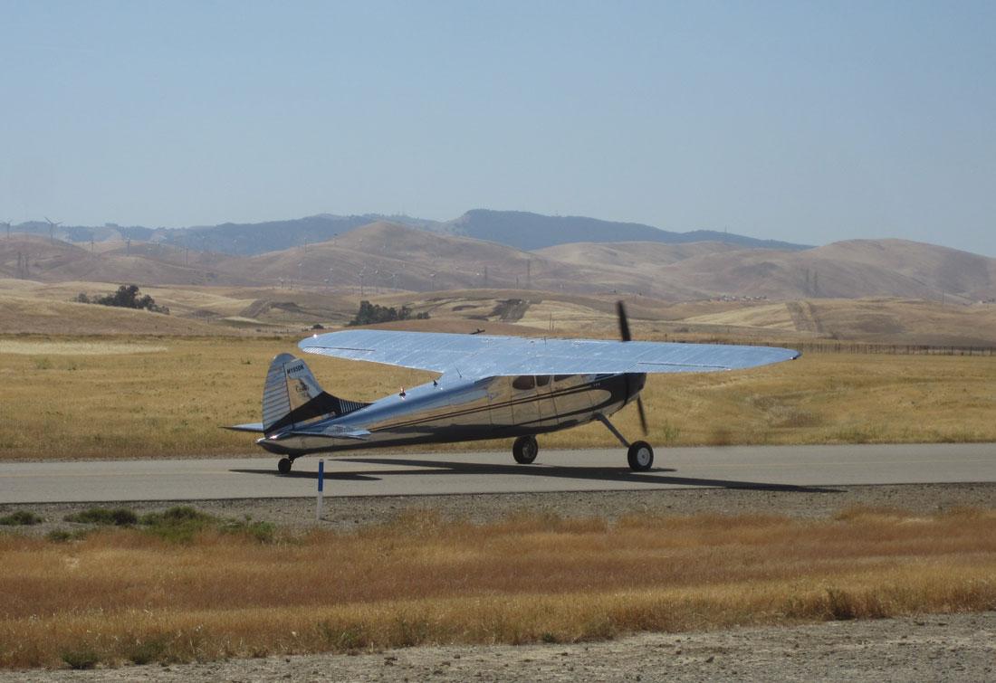Cessna 195 Businessliner: A Slice of 1950's Style