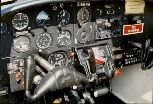 Instrument panel in a PA-38 Piper Tomahawk.