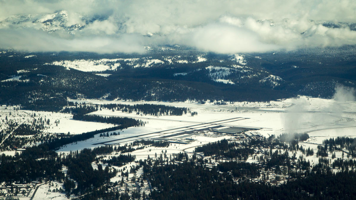 crosswinds at truckee airport