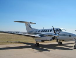 Textron Financial to Auction 1976 Cessna 421C and 2002 King Air B200