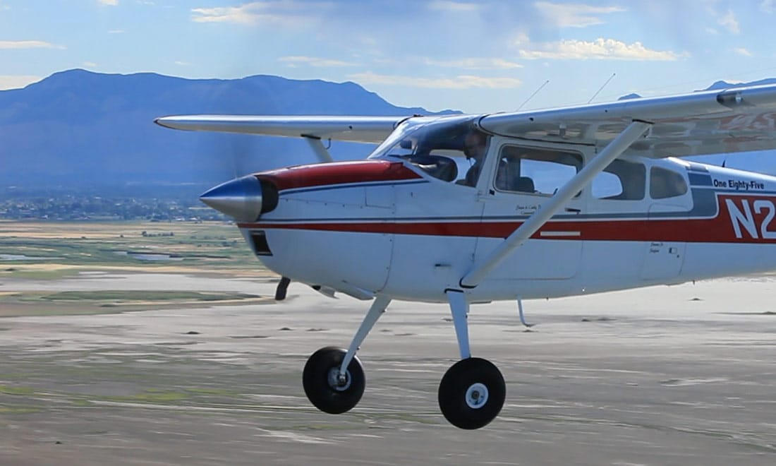 Cessna 185 Skywagon in flight - FAA issues SAIB NE-17-11 regarding certain Continental Motors engines