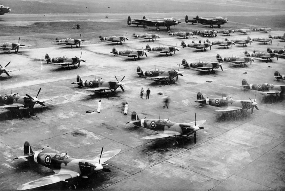 The runway at Castle Bromwich, loaded with Supermarine Spitfires, many assembled in a shadow factory.